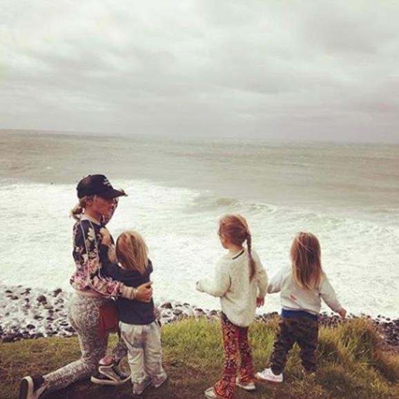 The Spanish actress and her clan take in the stunning sights of their hometown, Byron Bay.