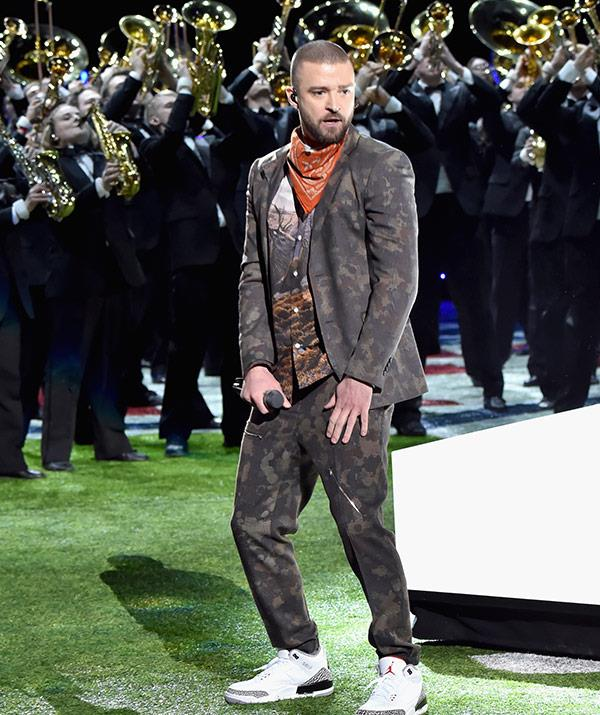 The 37-year-old rocked a camo jacket and matching pants.