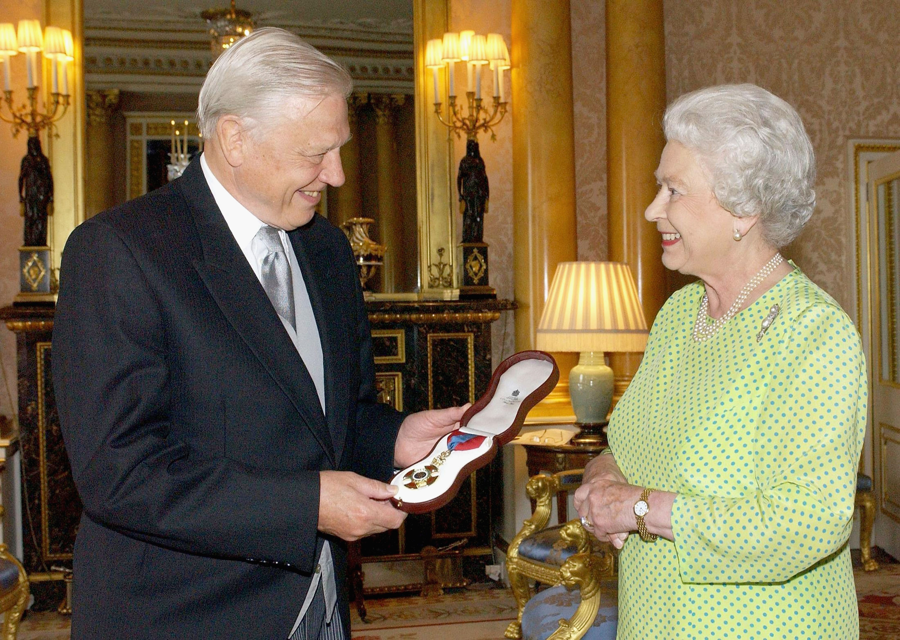 The Queen declares war on plastic after David Attenborough documentary