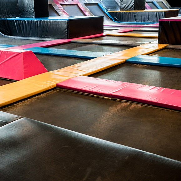 Experts call for mandatory Australian Standard to regulate indoor trampoline parks to keep users safe.
