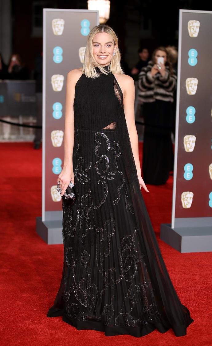 The best actress nominee Margot Robbie looked stunning in her floor length gown.