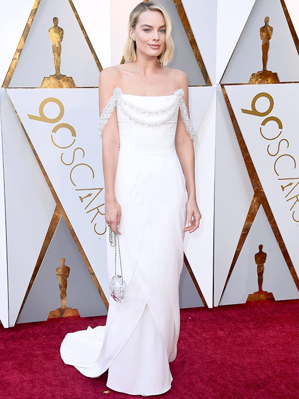 "She's here and she's already a winner in our eyes! Best Actress nominee [Margot Robbie has arrived.](https://www.nowtolove.com.au/fashion/red-carpet/margot-robbie-oscars-red-carpet-arrival-45334|target=""_blank"")"