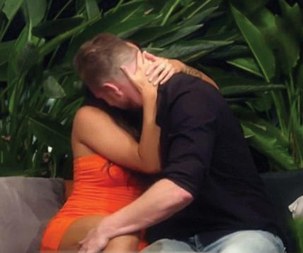 """Davina and Dean's """"affair"""" became the main plot-line on *MAFS* this year."""