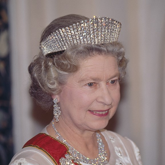 Queen Elizabeth II wearing Queen Alexandra's Kokoshnik tiara at a state banquet in her honour in Germany, 1992.