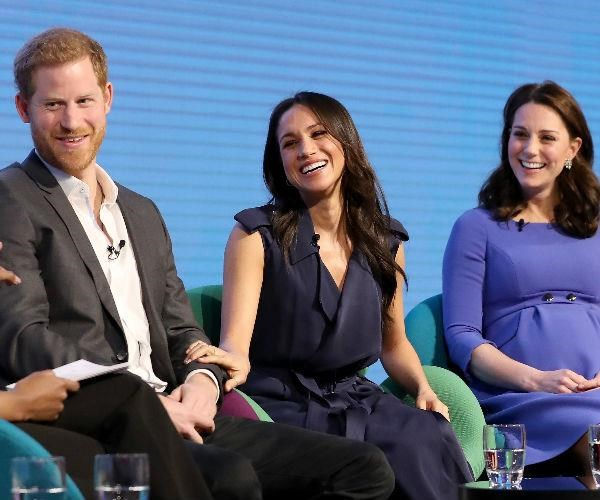 And it appears sister-in-law-to-be Meghan Markle picked up the same blue-toned memo!