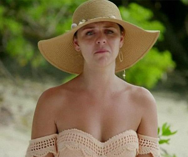 Tara broke down after she was accused of trying to help Brett execute his sneaky plan.
