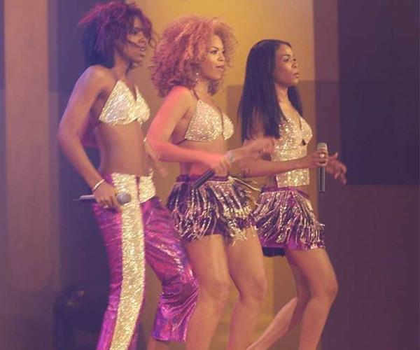 "*Destiny's Child*  It was a huge year of performances  at the 2002 Logies, with superstars Elton  John and Shakira making appearances. What's more, iconic pop queens Destiny's Child walked  the red carpet in style before taking to the stage to perform their renowned hit, ""Bootylicious""."