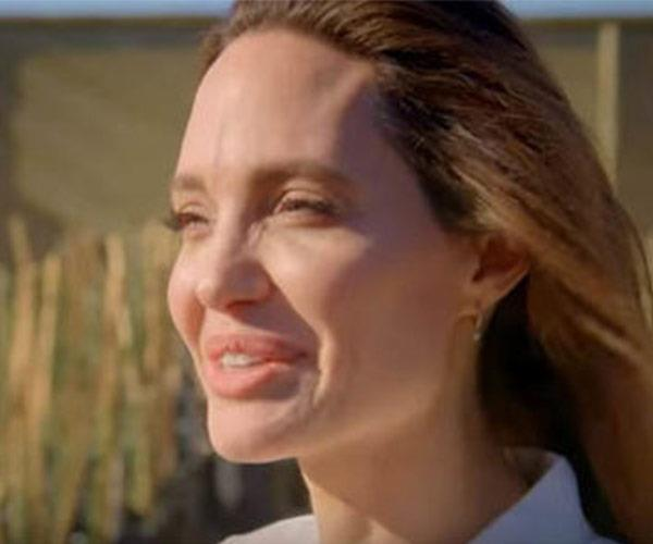 "Angelina Jolie describes Her Majesty as ""lovely."""