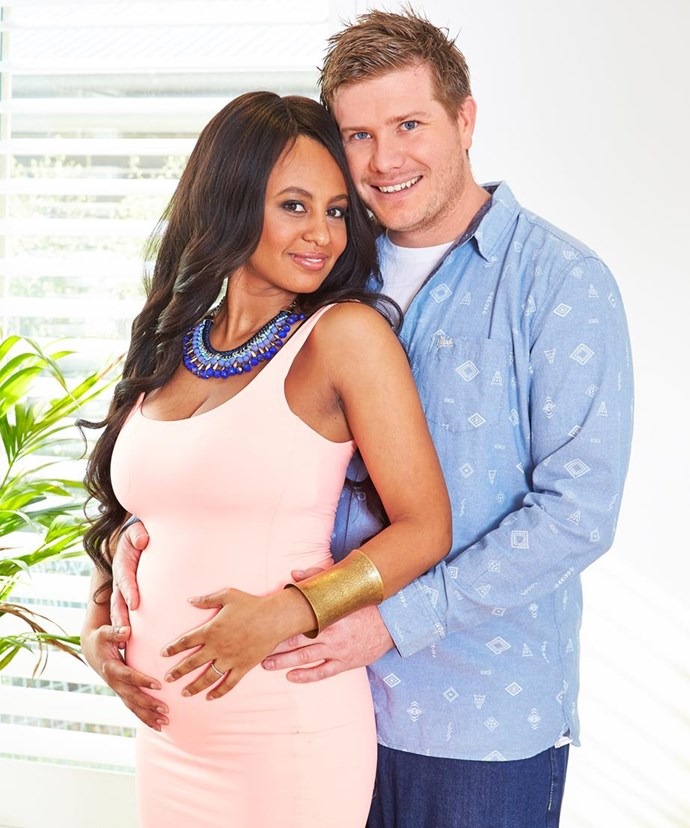 Zoe and Alex confirmed they were expecting in May 2016.