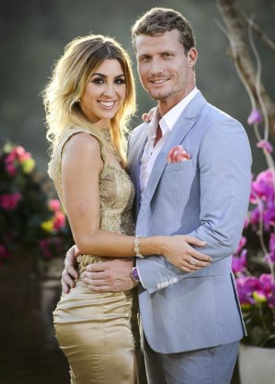 Ten months after the 'cool bananas' Richie's season of *The Bachelor* ended, rumours ran rife that his relationship with Alex was on the rocks – which were late confirmed to be true. Sob!
