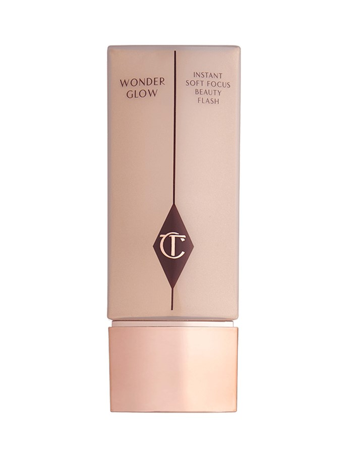 "After moisturising, Amal applies Charlotte Tilbury's [Wonderglow primer](http://www.charlottetilbury.com/au/wonderglow.html?ranMID=41397&utm_source=AUSRAN&utm_medium=Affiliates&utm_campaign=TnL5HPStwNw&publisher=2116208:Skimlinks.com&linkType=10&linkName=&offerName=Skimlinks&ranEAID=TnL5HPStwNw&ranSiteID=TnL5HPStwNw-Bb41vBo6wsQKoRxi4iCHag&SiteID=TnL5HPStwNw-Bb41vBo6wsQKoRxi4iCHag|target=""_blank"") to protect the skin and provide a base for longer-wearing make-up."