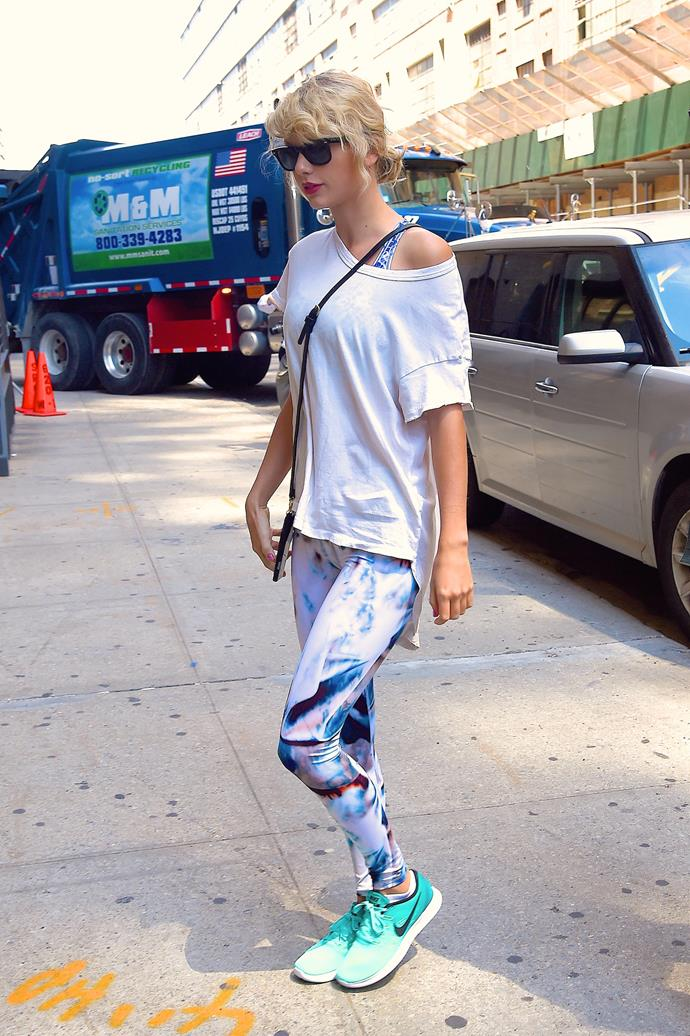 """We *wish* we could look half as put-together as Taylor Swift when she hits up the gym. Break a sweat in Swifty-inspired [Onzie Racer Midi Leggings, $89.95](http://www.stylerunner.com/Onzie-Racer-Midi-Legging-2028-OCE