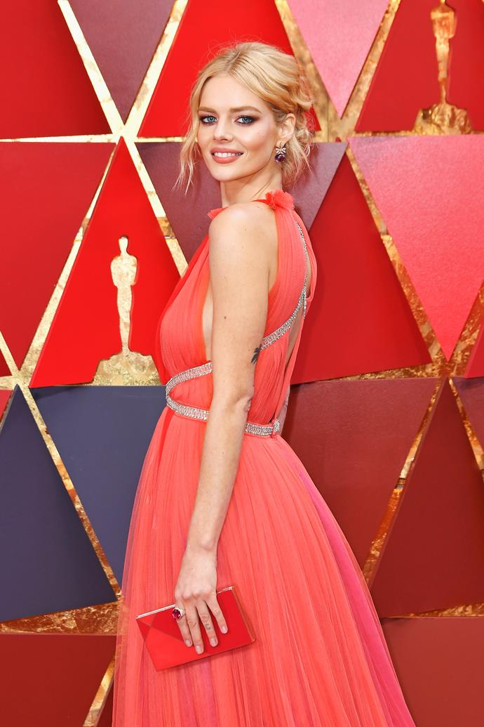 Samara Weaving attends the 2018 Academy Awards with the cast of Three Billboards Outside Ebbing, Misouri.