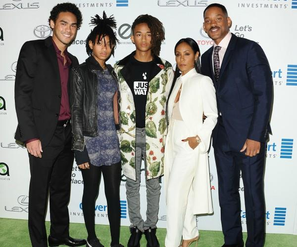 (L-R) Trey Smith, Willow Smith, Jaden Smith, Jada Pinkett Smith and Will Smith.