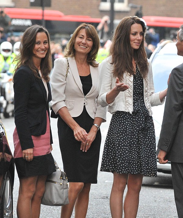 Kate, Pippa and Carole check into the Goring Hotel on April 28th - the night before the main event.