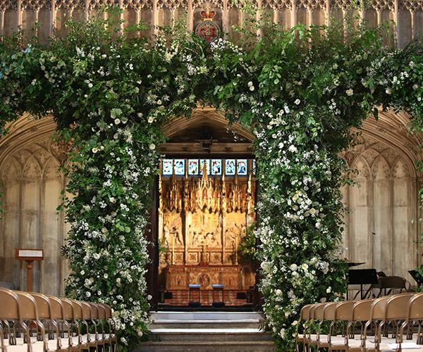The chapel has been beautifully decorated in flowers.