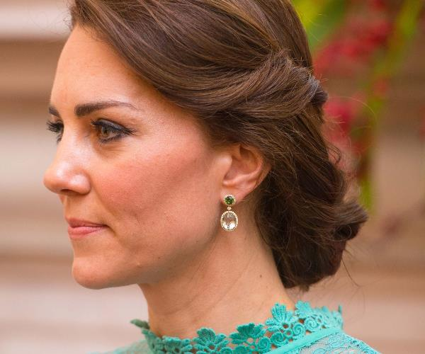 After the birth of Princess Charlotte in 2015, she was gifted a new pair of amethyst earrings.