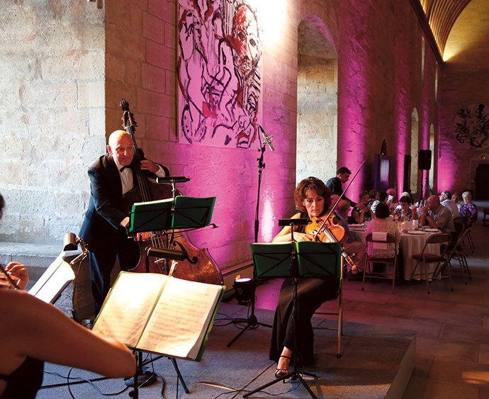 Enjoy an unforgettable gala dinner and classical concert at the prestigious Popes Palace of Avignon.
