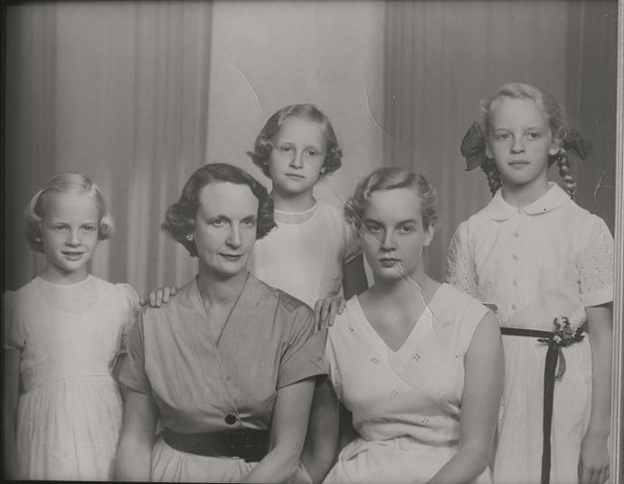 Naida Strachan with her daughters Revelyn, Helene, Diane and Quentin.