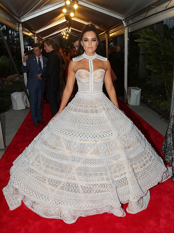 Olympia Valance has gone all high-fashion on us in this extravagantly skirted red-carpet showstopper.