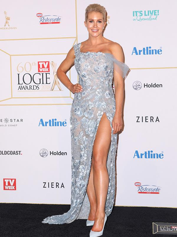 New *Bachelorette* Ali Oetjen giving us *Frozen* Elsa vibes at the Logies.