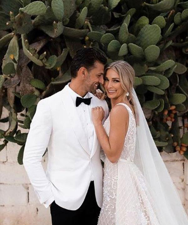 The first-ever Mr and Mrs Bachie, Tim and Anna tied the knot in Italy last month. *(Image: Instagram @mrtimrobards)*