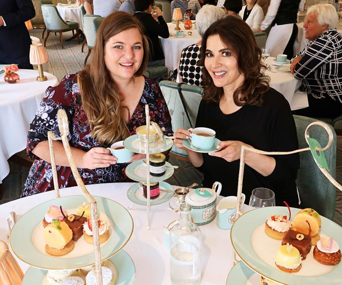Kristen spends time with Nigella Lawson in the UK.
