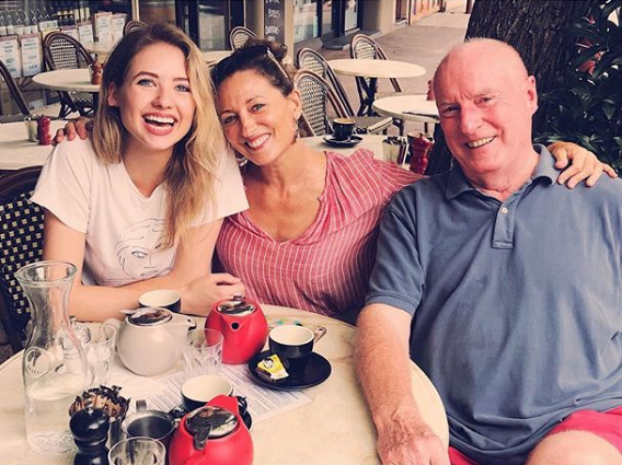 Kassandra catches up with Georgie Parker and Ray Meagher.