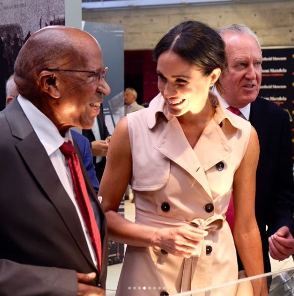The Duchess was all smiles as she met 92 year-old Andrew Mlangeni who spent 26 years on Robben Island