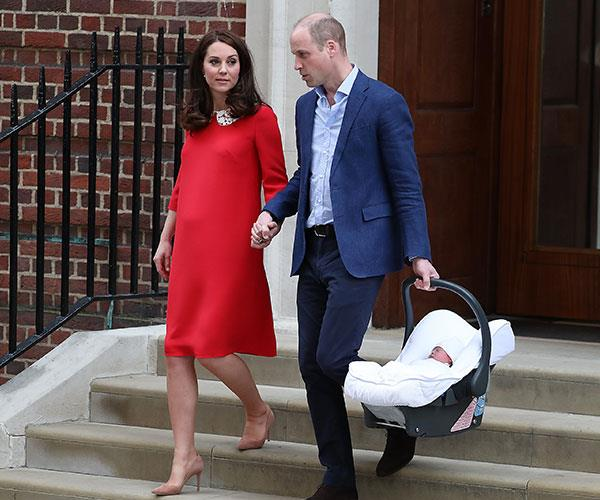 The couple hold hands as they head home to Kensington Palace.