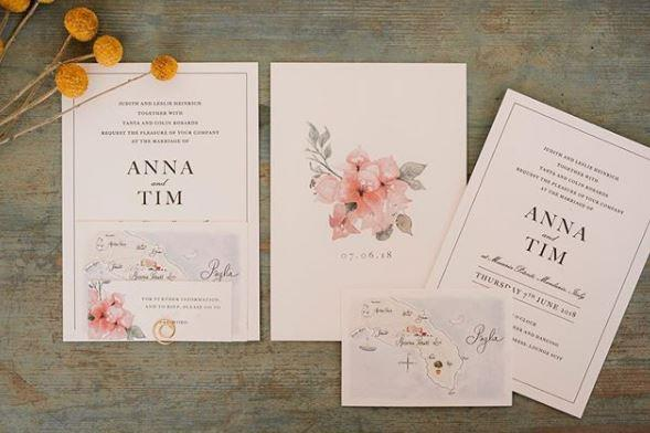 How gorgeous are these invitations?