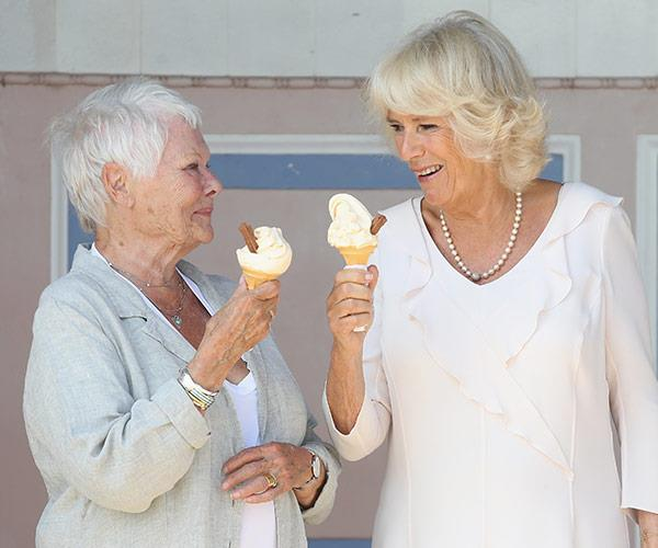 Cheers! How good are ice creams on a summer's day.