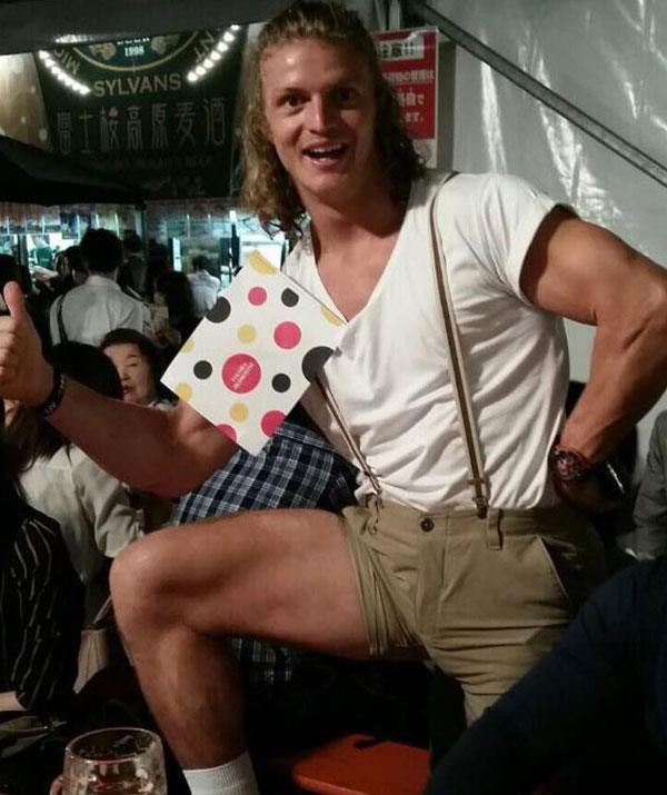 Who knew lederhosen could look so good?