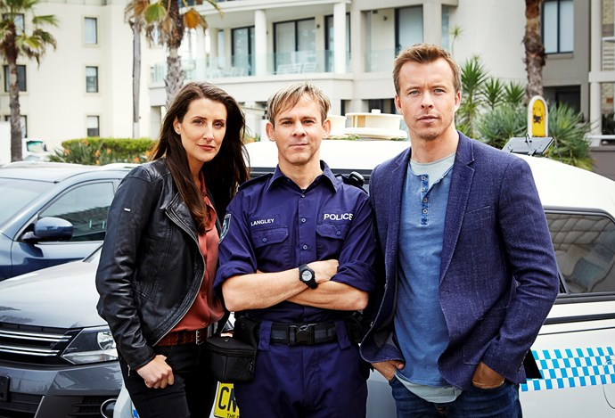 Police Senior Constable Stephen Langley (Dominic Monaghan), with Zoe and Dan.