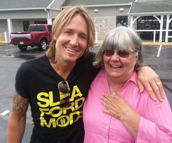 American grandmother and teacher Ruth Reed found herself in a tizzy when she found the man she thought was a down-and-out broke man, was actually Keith Urban