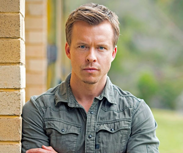 **TODD LASANCE AS DETECTIVE CONSTABLE DAN COOPER**  A talented cop keen to move on after a shark attack. Dan can probably find the killer, but can he find himself?