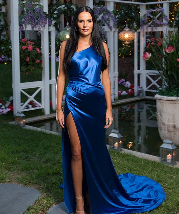 "**Cayla, 27, QLD** Country girl Cayla is an 'energy healer' and lives a healthy lifestyle, focused on clean eating and fitness. After a few ""dating disasters"" she decided to apply for the show, in the hopes of finding a loving, sensitive and adventurous partner."