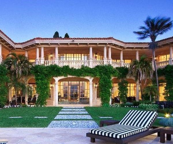 Australia's version of a palace: Villa Del Mare!