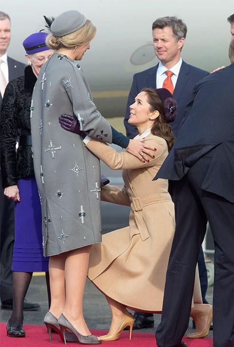 Australian-born Crown Princess Mary is a total curtsying gun!