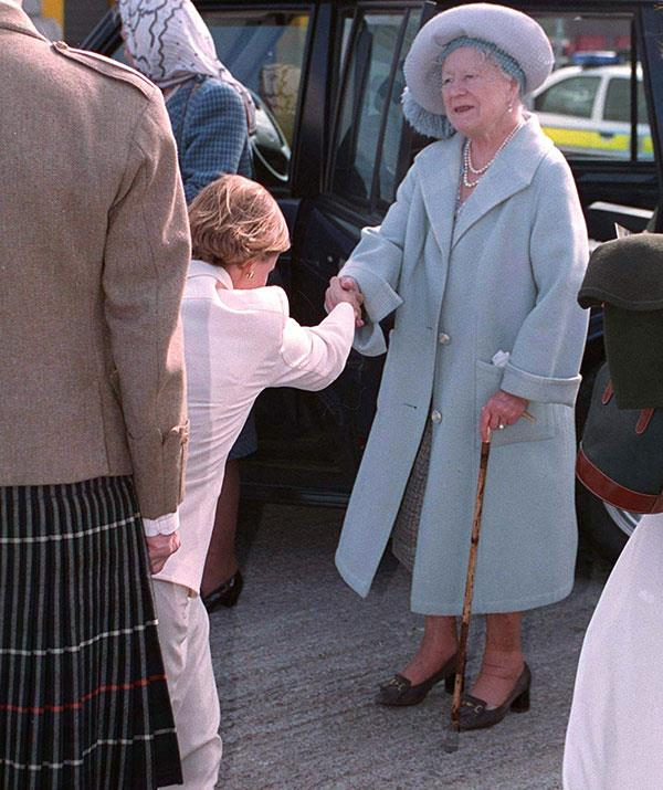 We love this tender interaction between Sophie, Countess of Wessex and the late Queen Mother in 1995.