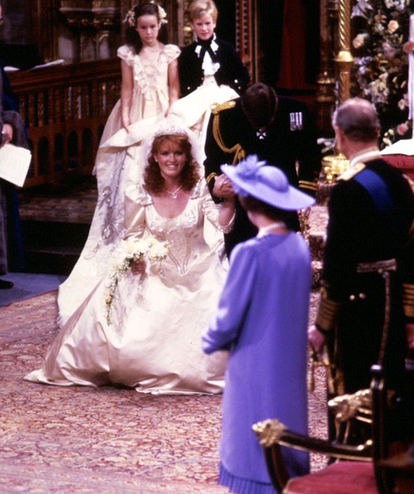 In 1986, Sarah Ferguson performed the manoeuvre with bridal joy.