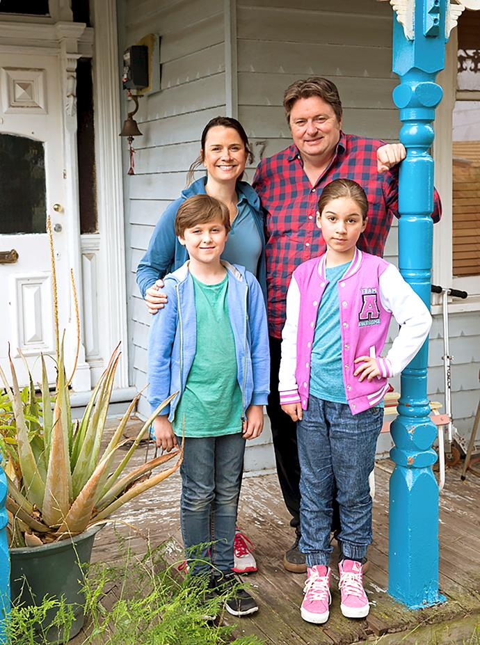 Dave with his on-screen wife, Emily, and their kids, played by Kieran Cochrane and Mariah Cini.