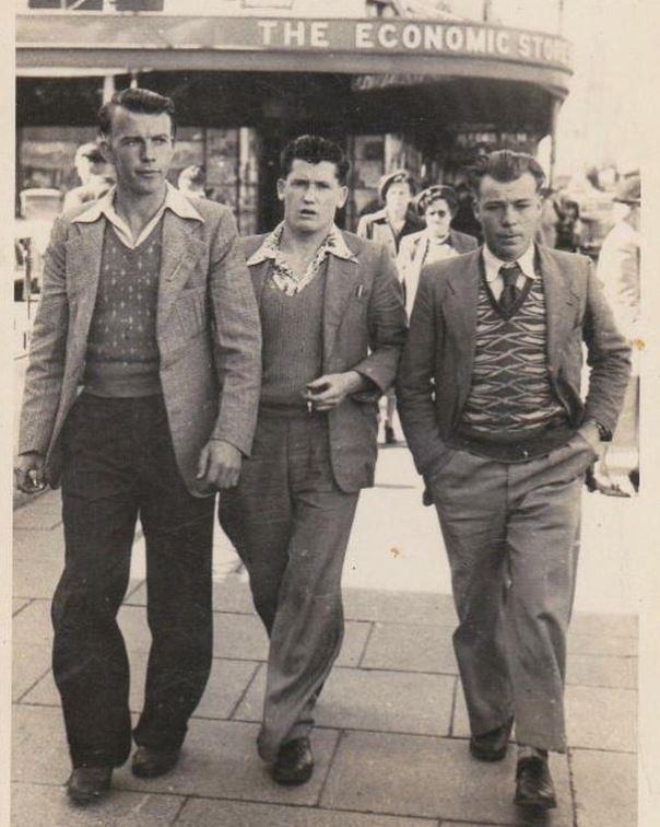 Is that a young Dave Hughes in the middle? Nope, it's an old pic of his dad, but they look pretty similar, right?