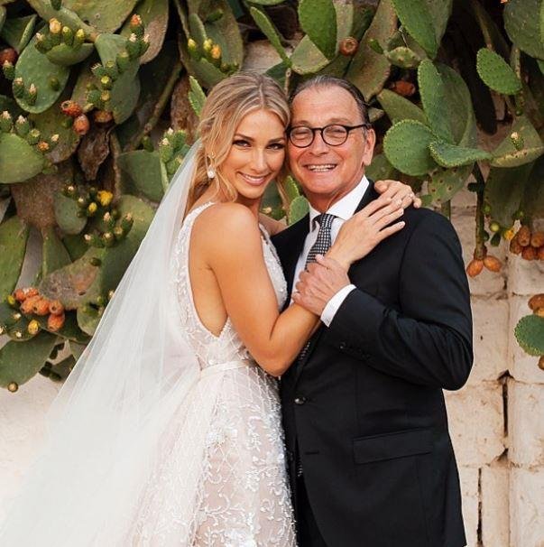 Newlywed Anna Heinrich shared a snap of her and proud dad, Les, from her wedding day to Tim Robards.