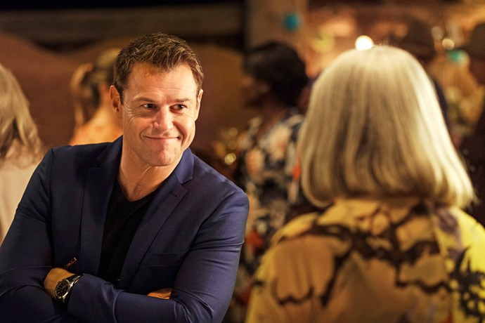 Hugh attends the town's speed-dating night, while Penny stays home.