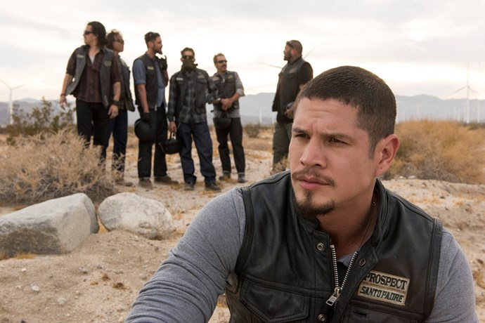 JD Pardo stars in the leading role as EZ Reyes.