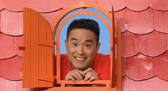 Kaeng Chan was a presenter on *Play House Disney* alongside Monica Trapaga.