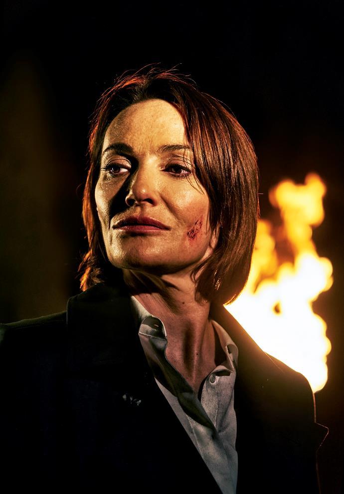 Sarah Parish as DCI Elizabeth Bancroft.