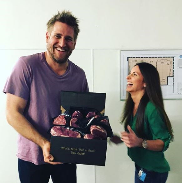 Celebrity chef Curtis Stone looks great with a bit of scruff.