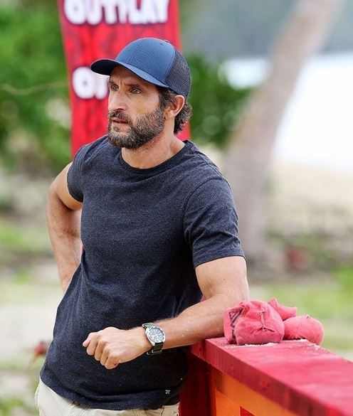 *Survivor* host Jonathan LaPaglia likes to look a little rugged like the contestants.